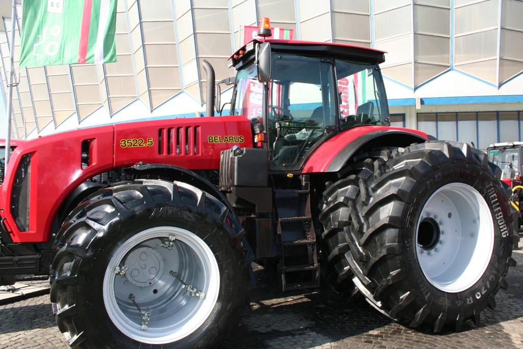Tractorul_Mtz_produs_in_Belarus_Minsk_la_Indagra